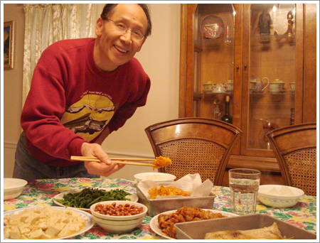 dad_home_dinner_may2008.jpg